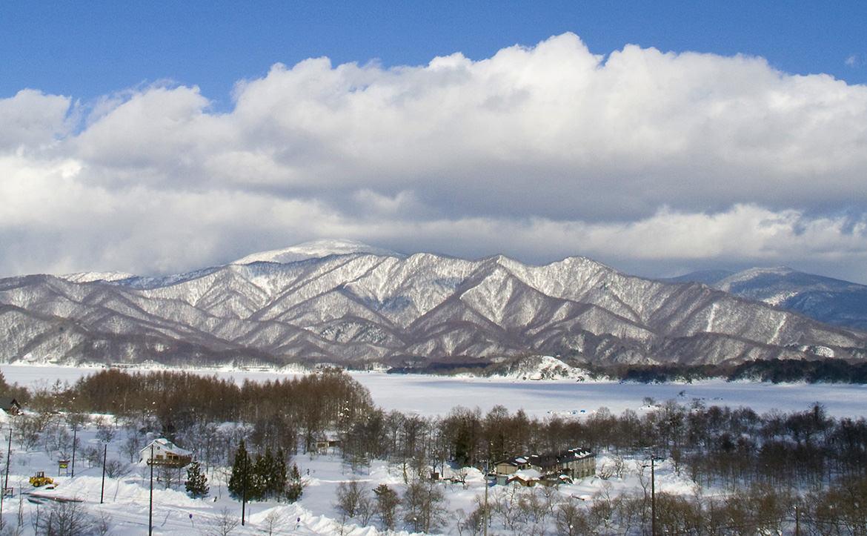 栃木県のスキー場で雪崩 8人死亡の悲劇